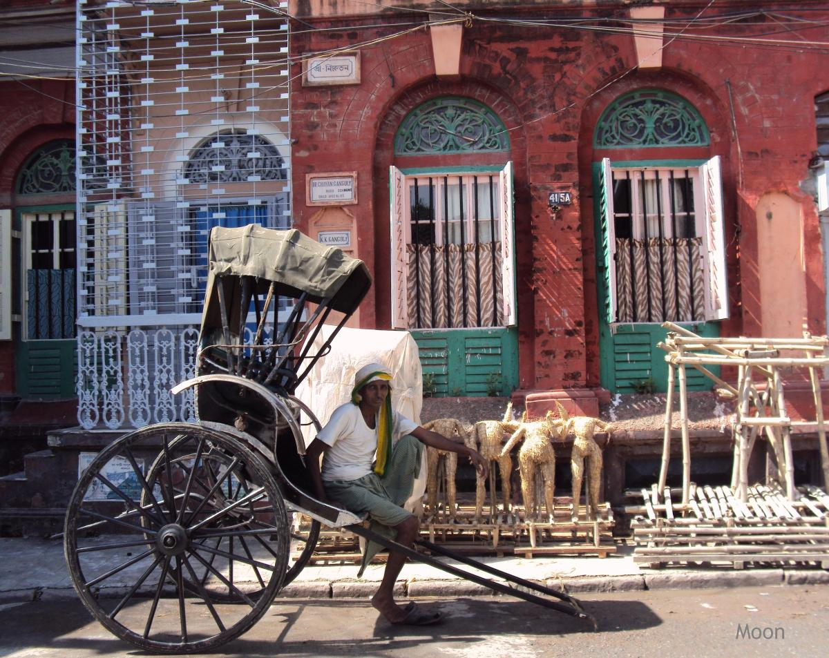 Hand-pulled rickshaw in Kolkata