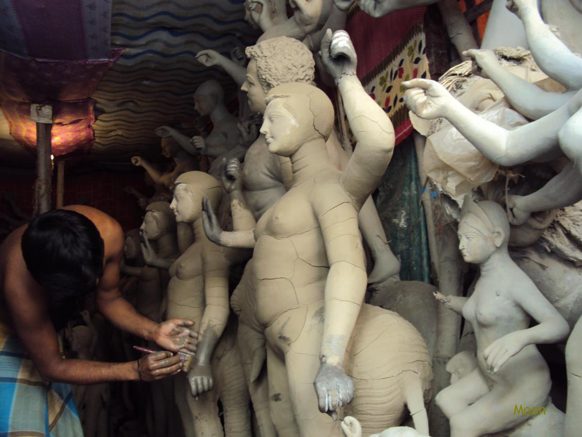 Idol making in Kumartuli, Kolkata