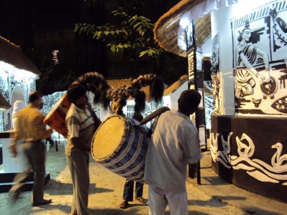 Durga Puja 2010: Kolkata Dazzled in the Light of Festivity (6/6)
