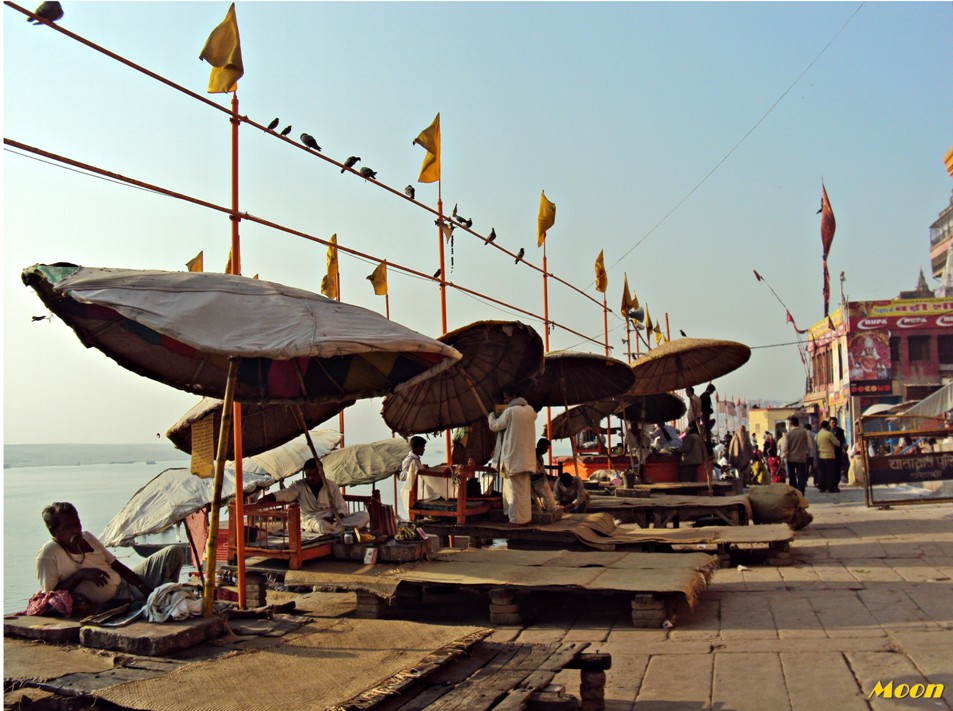 Morning activities on the ghats, Varanasi