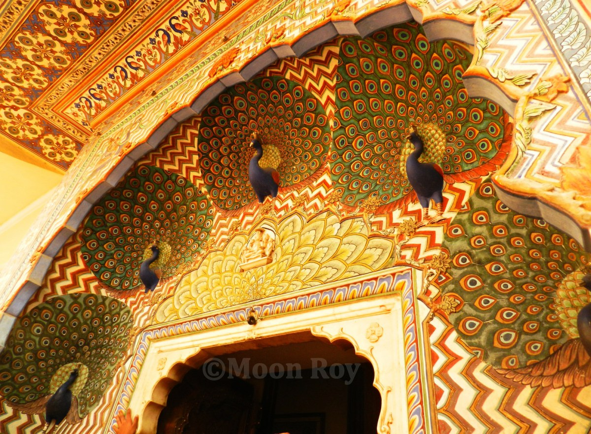 peacock gate, jaipur, city palace, stone carving
