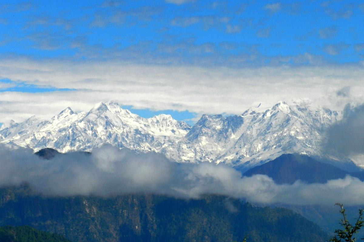 Himalayan peaks, mountains, Choukori, Almora, serenity