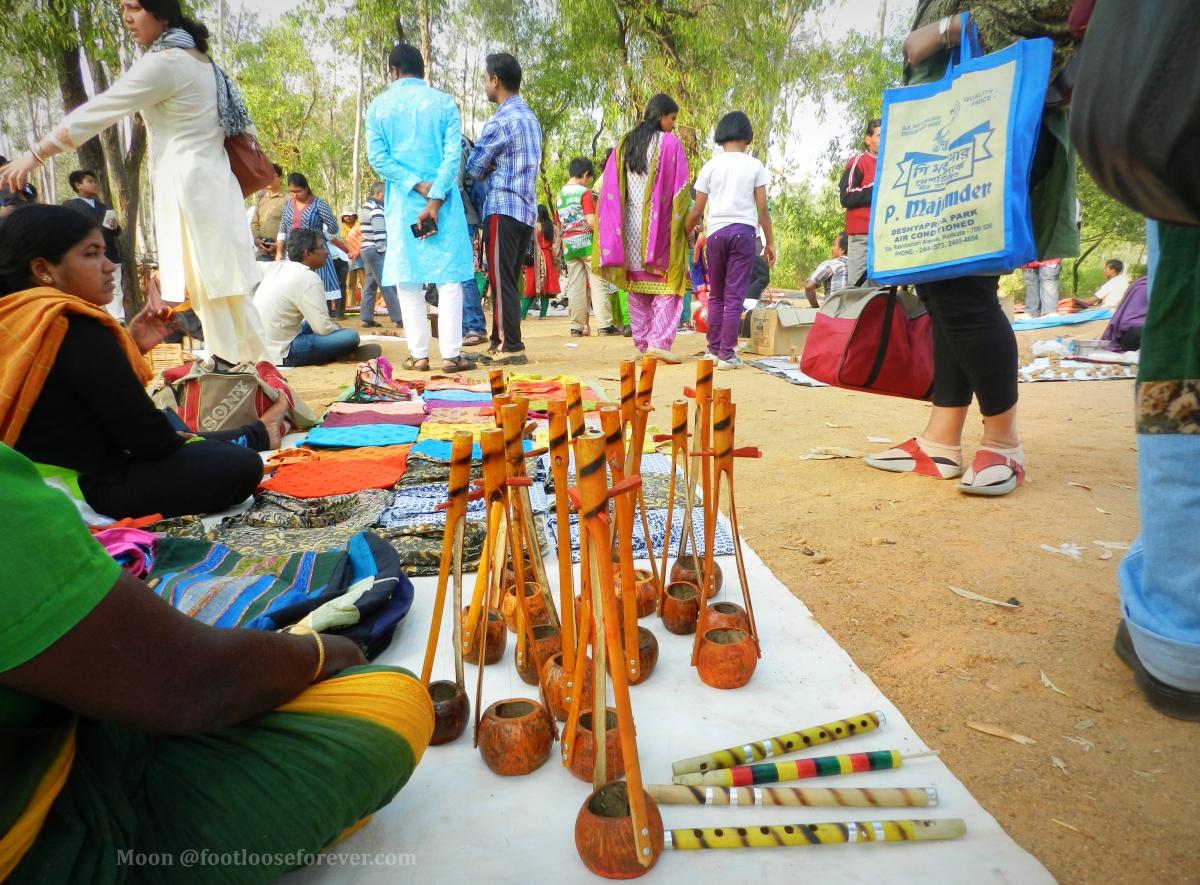 ektara, flute, vendor at khoai mela, Shanibarer haat, shantiniketan