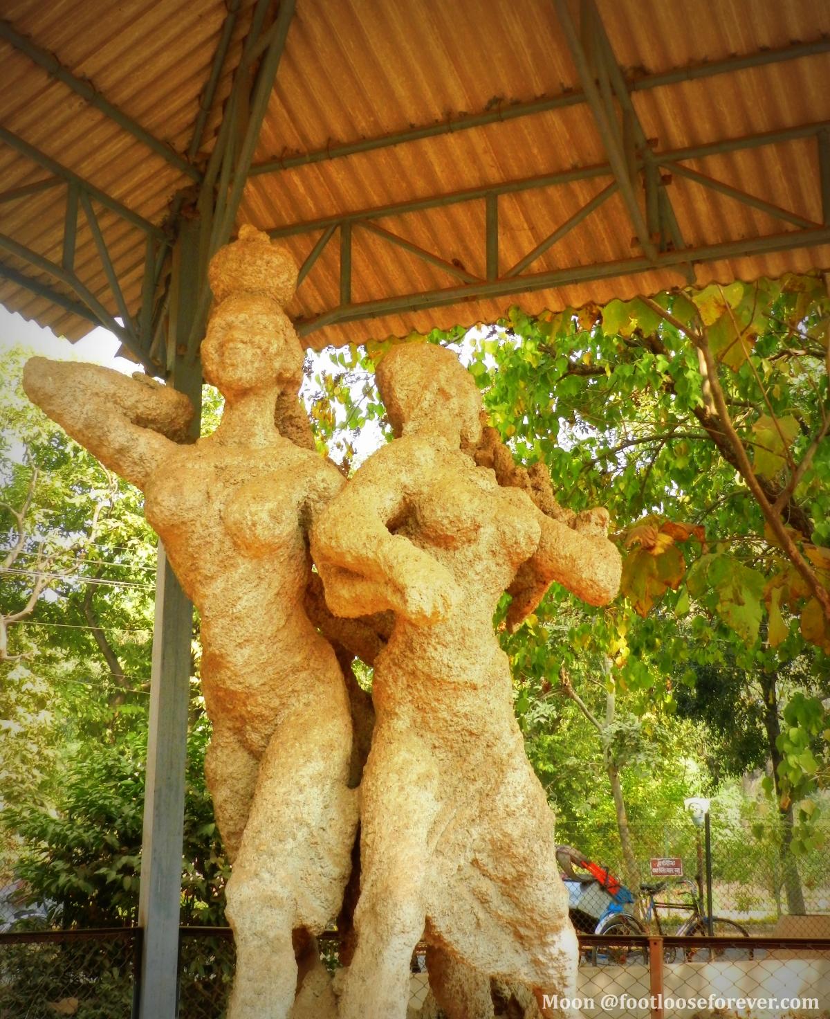 sculpture by Ram Kinkar Baij, kala bhavan, shantiniketan