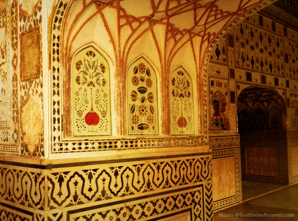 Amer fort palace interior walls, mirror palace