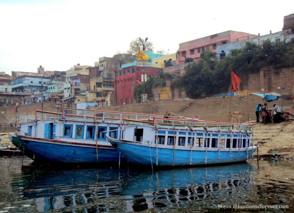 varanasi boat school, boat school in varanasi