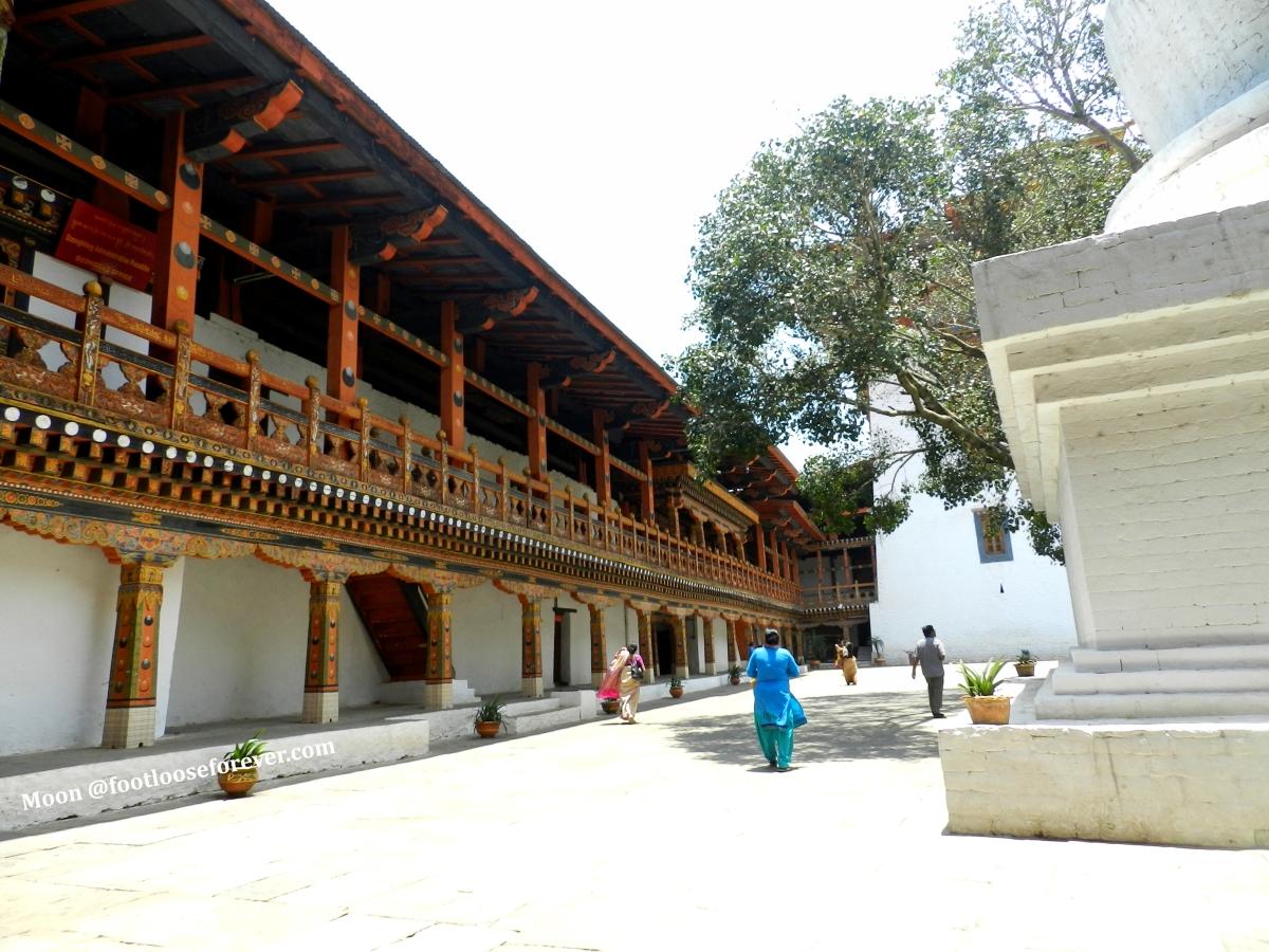 inside punakha monastery