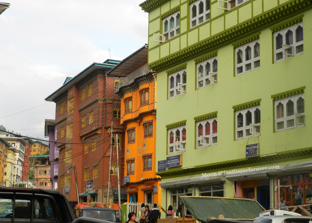 houses in thimphu, happy colors,