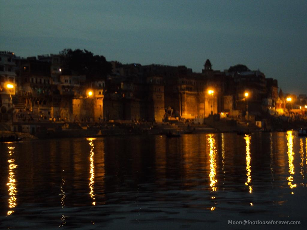 evening varanasi, varanasi, ghats, aarti, lights