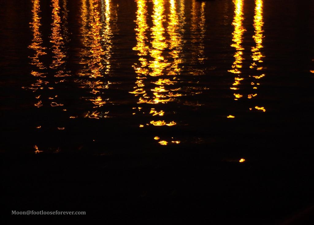 light reflection, varanasi, evening