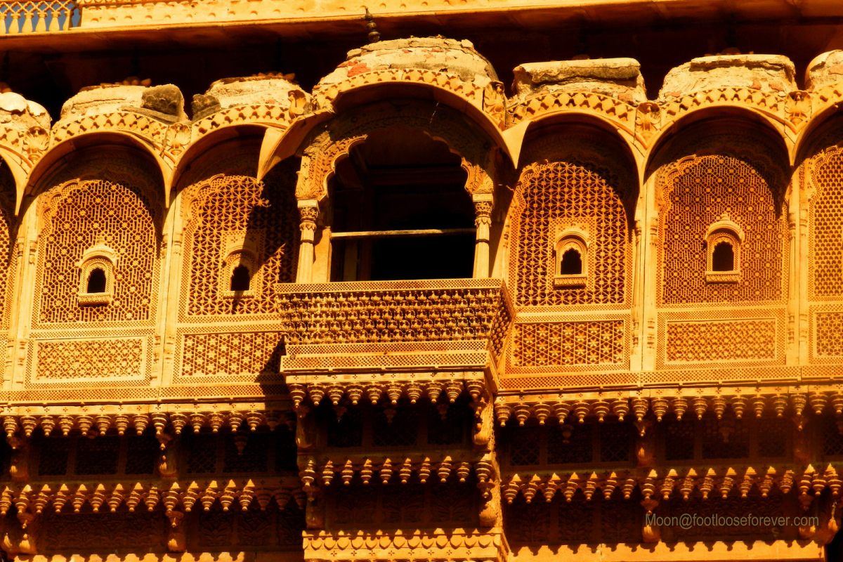 stone details, haveli, jaisalmer, rajasthan
