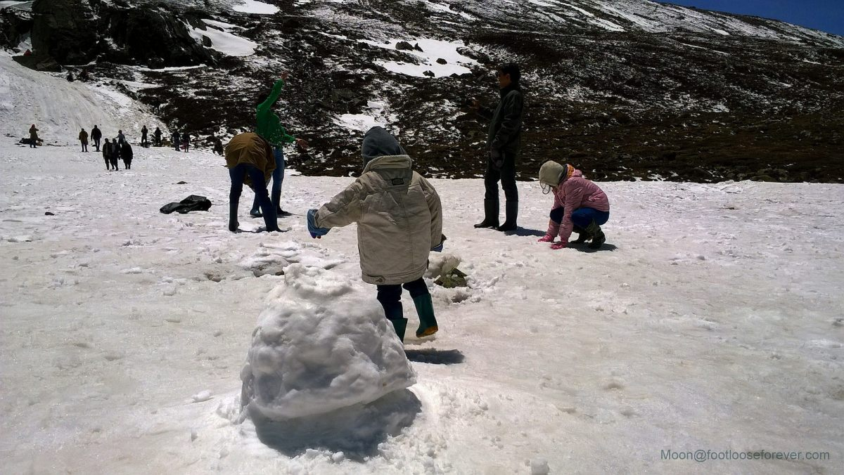 zero point, yumthung, sikkim, snow
