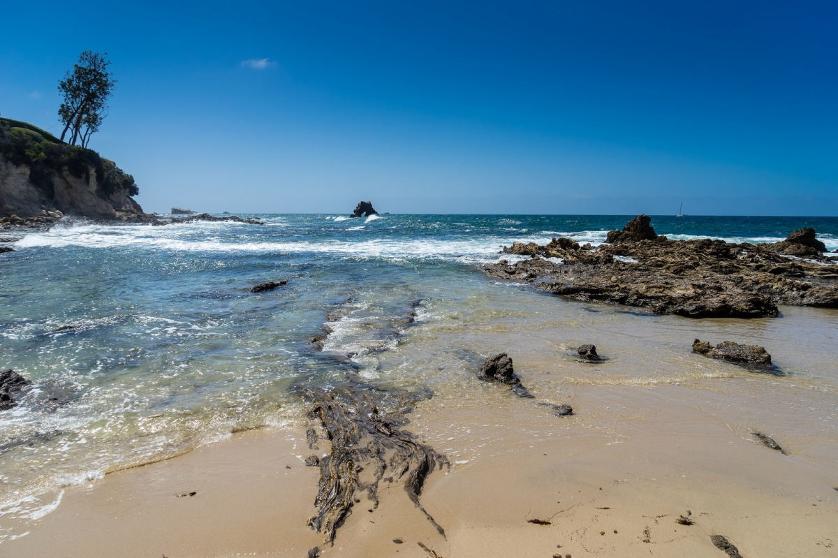 Orange county your next vacation destination in for Vacation beaches in california