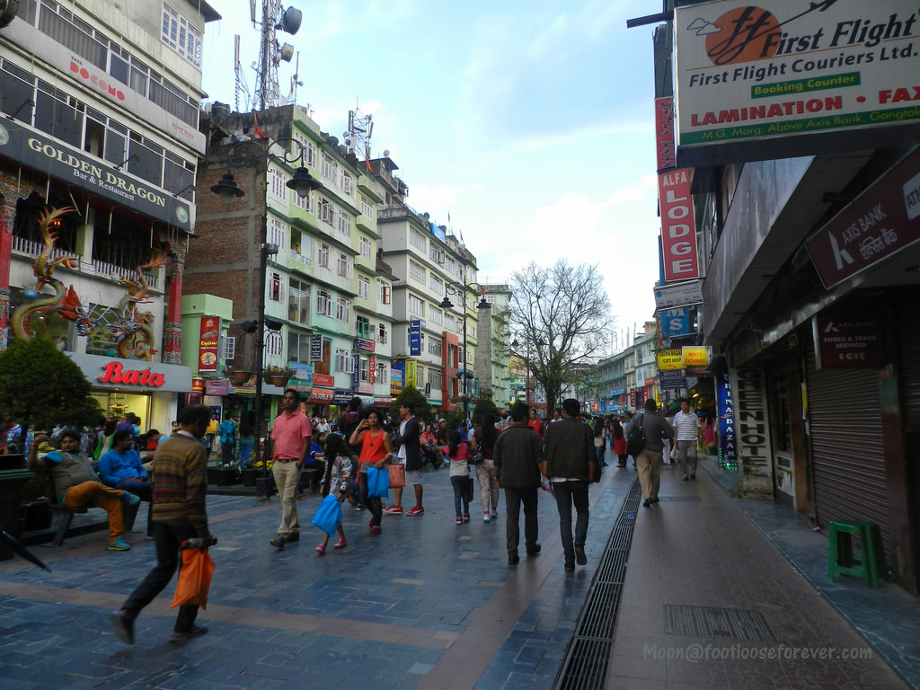 mg marg, market, gangtok, main market, gangtok shopping