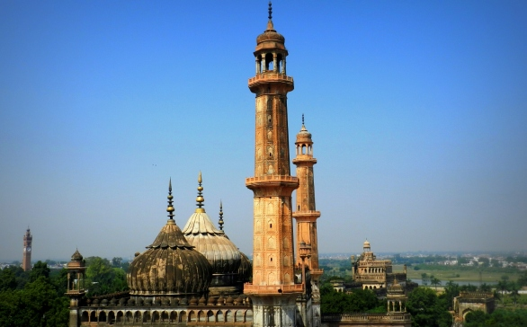 minarets, asafi mosque, lucknow, footlooseforever