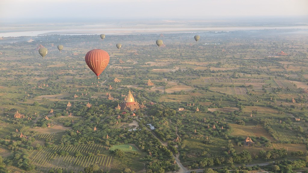 Bagan, Myanmar, balloon ride